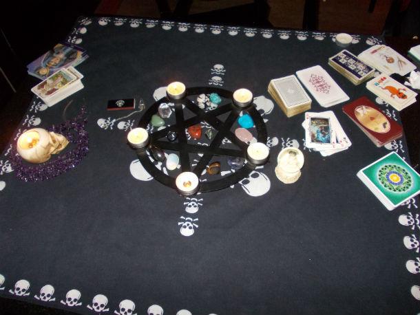 Nabídka - věštění z karet na akcích